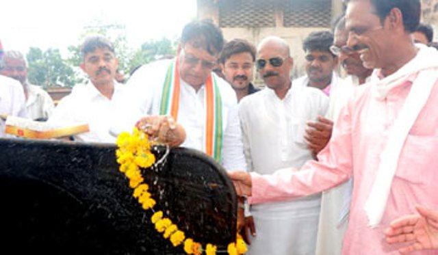 जनसंपर्क मंत्री श्री पी.सी शर्मा