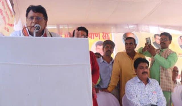 कर्त्तव्यनिष्ठा से कार्य करें, सरकार आपके साथ - मंत्री श्री शर्मा