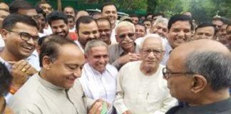 दिग्विजय सिंह के भाई लक्ष्मण ने कांग्रेस को खतरे में डाला
