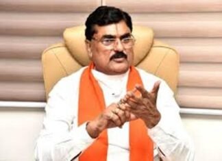 Minister Kamal Patel called Kamal Nath a villain