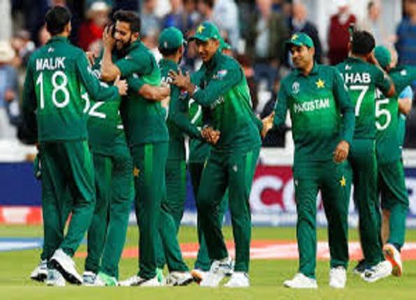 पाकिस्तान टीम छह सदस्य कोरोना की चपेट मे